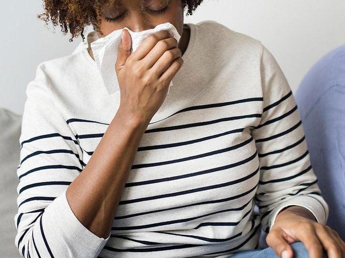 Le manque de sommeil peut augmenter le risque d'allergies.