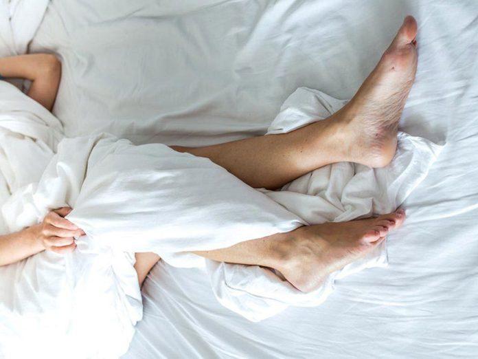 Le manque de sommeil augmente le risque de syndrome des jambes sans repos.