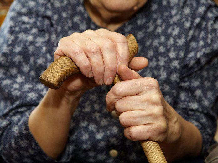 Le manque de sommeil peut augmenter le risque d'arthrite.