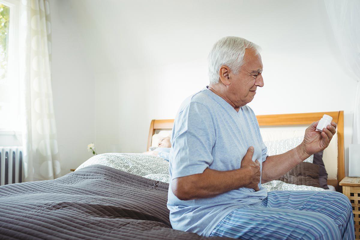 Les maux de ventre soudains peuvent être causés par un anévrisme.