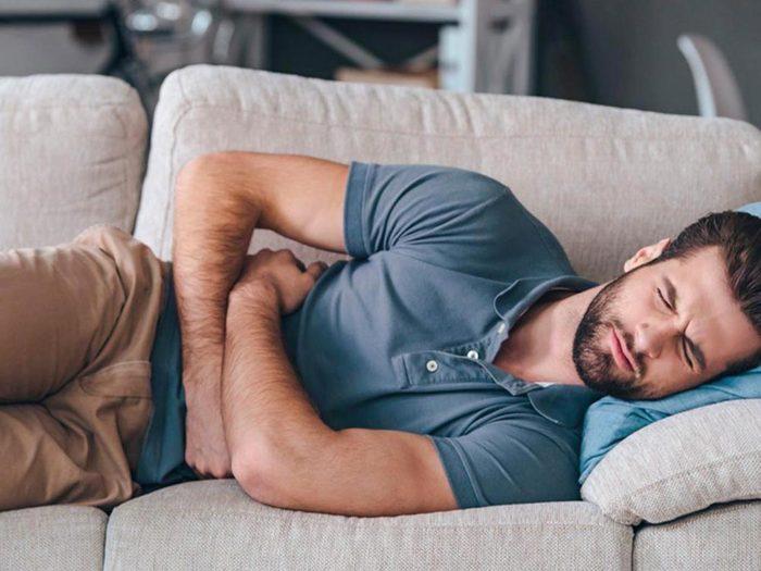 Les maux de ventre peuvent être dus au brûlures d'estomac.