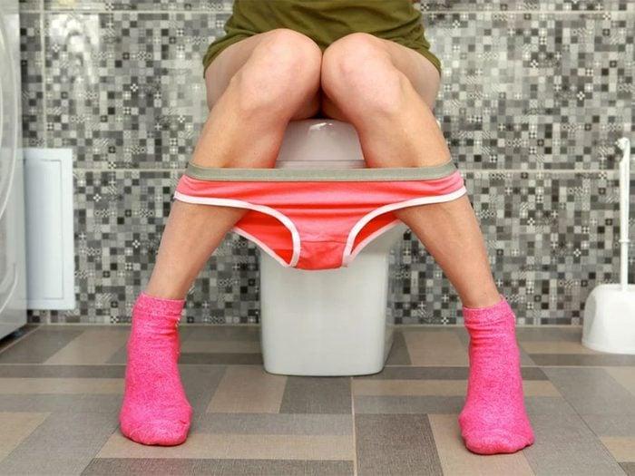 Trouble du côlon, infection urinaire ou maladie inflammatoire pelvienne font partie des maux de ventre à ne pas ignorer.
