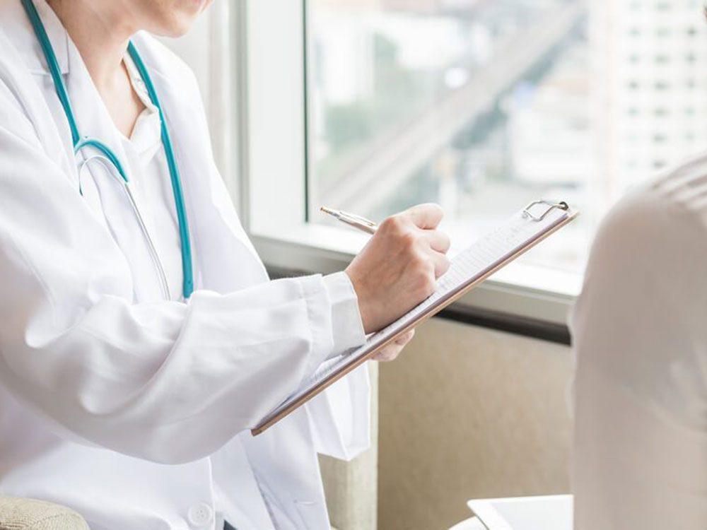 Ne pas annuler le médecin ou chez le gynécologue si vous êtes menstruée.