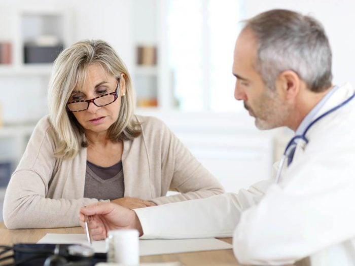 Ménopause : parlez-en à votre médecin.