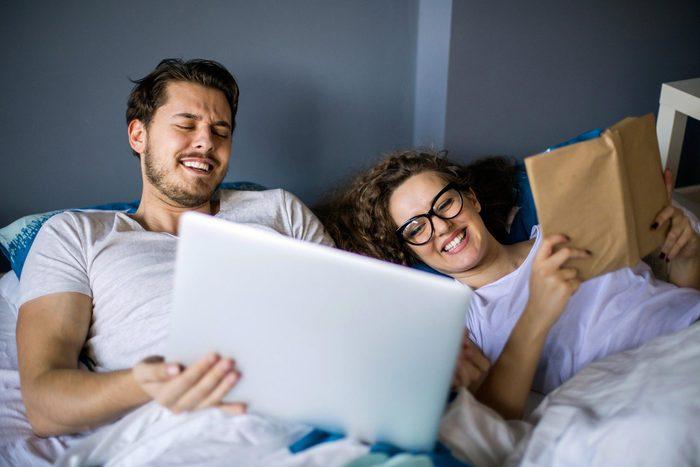 Pour mieux dormir, éteignez l'ordinateur à 22h.