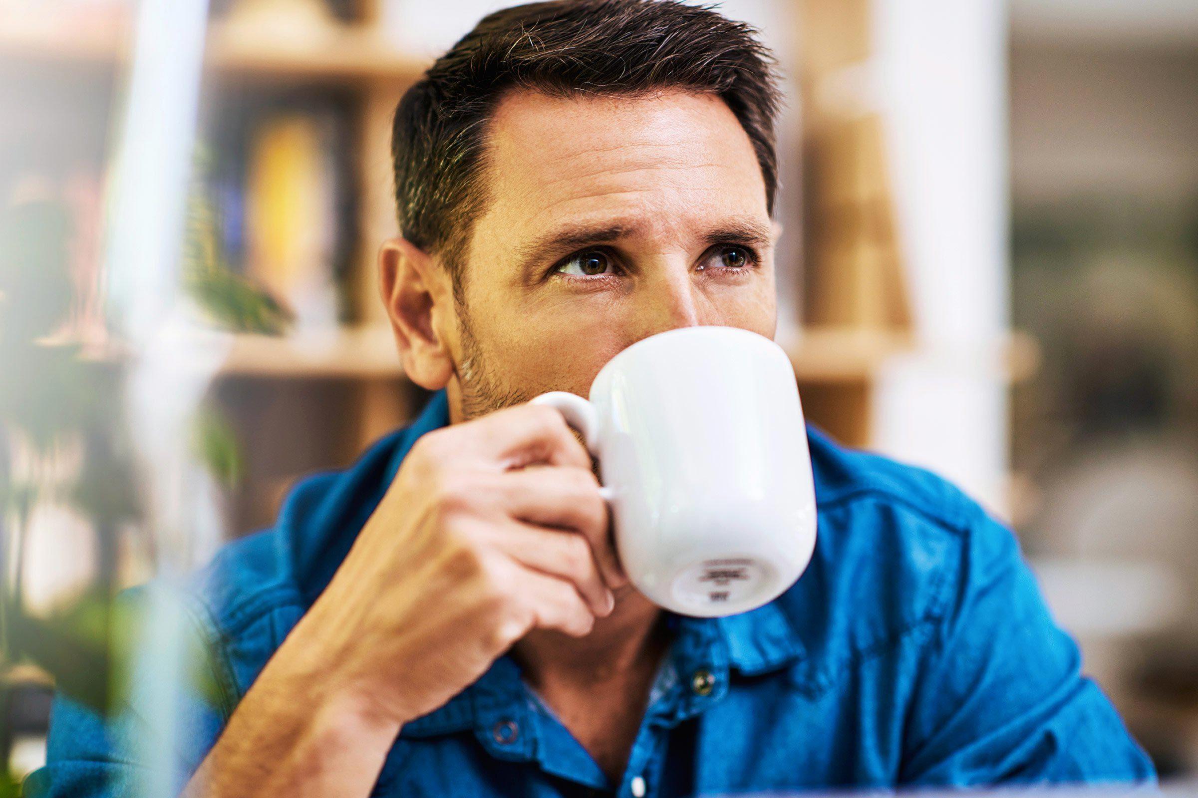 Pour mieux dormir, buvez votre dernière tasse de café à 13h.