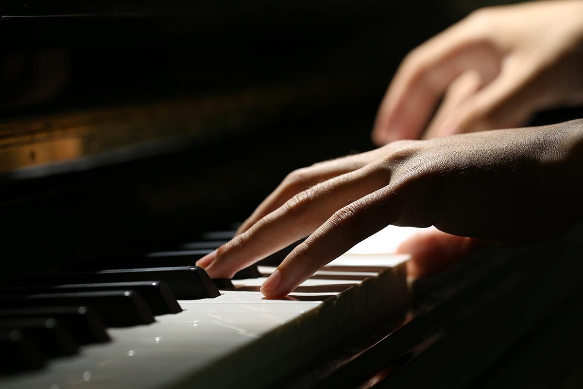 Le musicien Jean-Michel Blais est atteint du syndrome de Gilles de la Tourette.