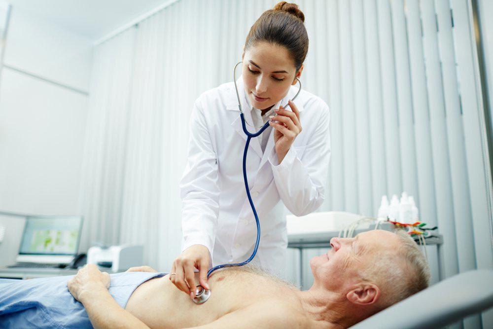 Les palpitations cardiaques peuvent signaler un problème si il existe des cas de mort subite dans votre famille.