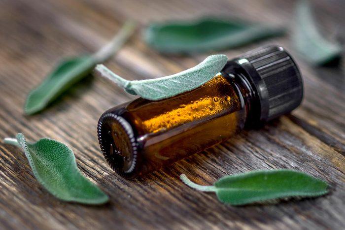 Perte de mémoire : utilisez l'huile de sauge.
