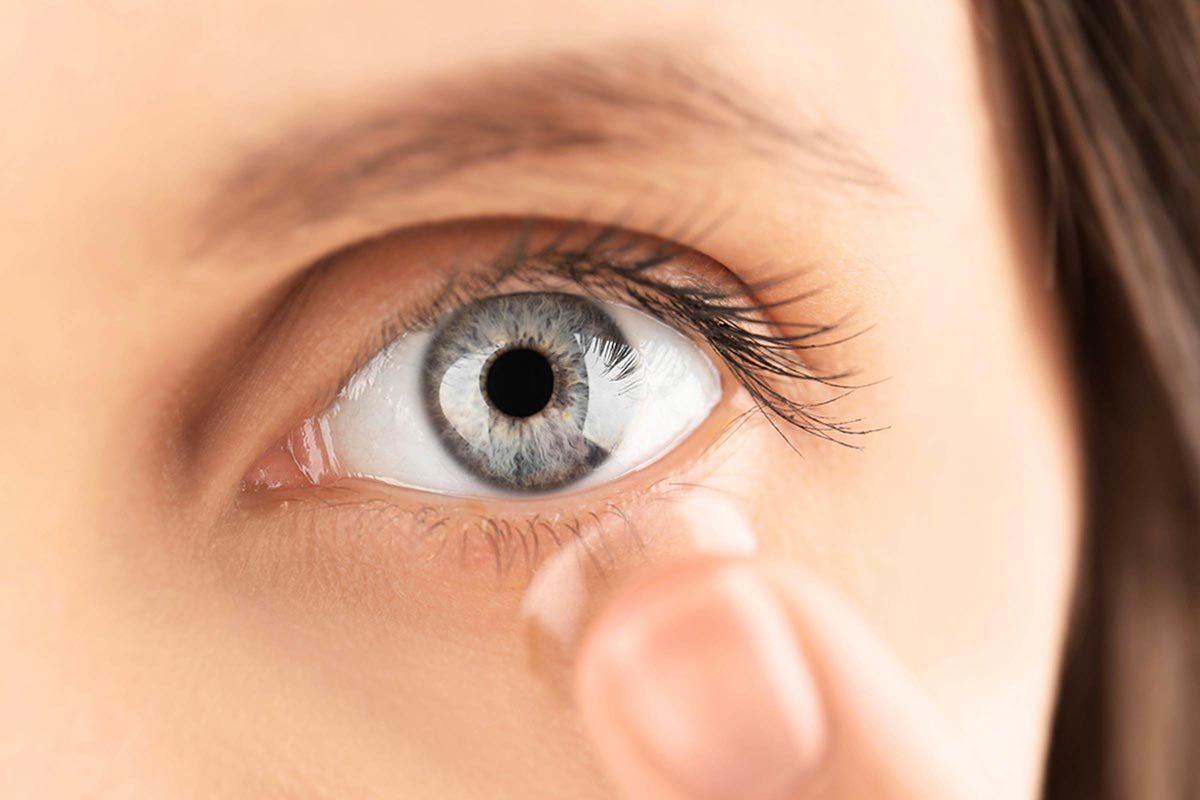 Protéger vos yeux en ne partageant pas vos verres de contact.