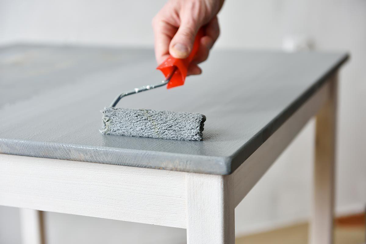 Recyclage maison : Utiliser les boîtes à café pour recueillir les gouttes de peinture