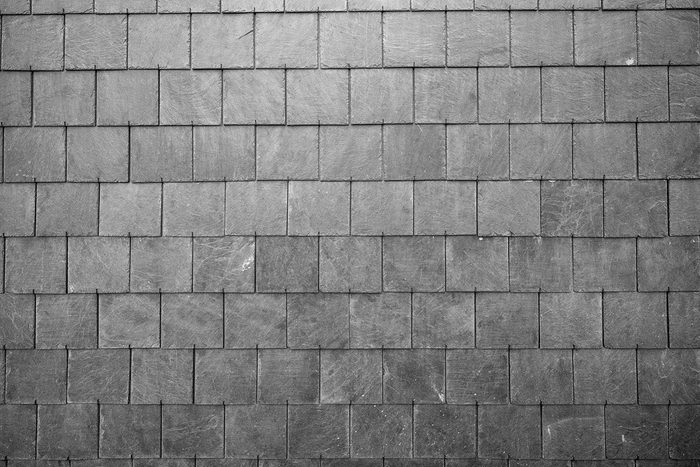 Recyclage maison : Pour réparer le toit avec du carton
