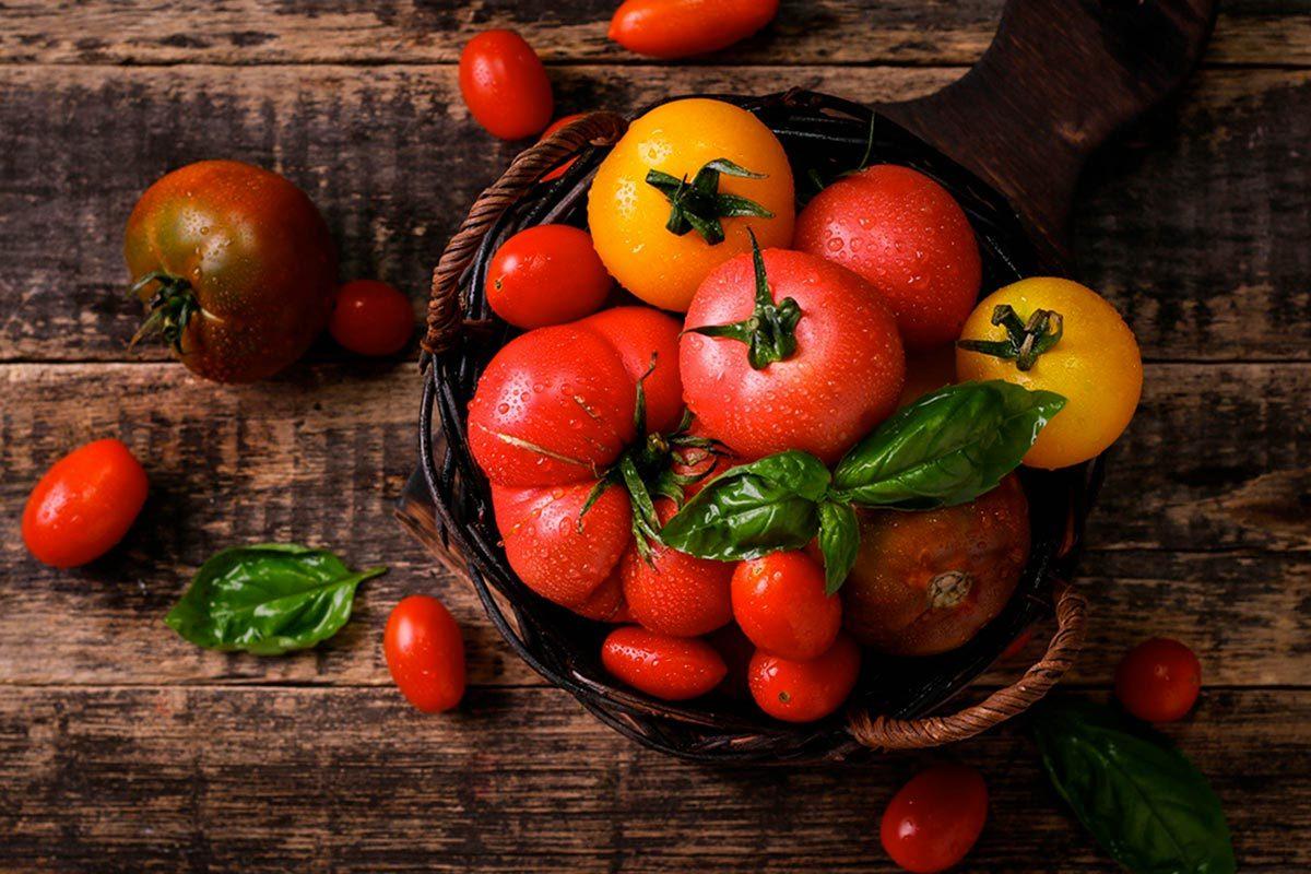 Soins de la peau : utilisez les tomates.