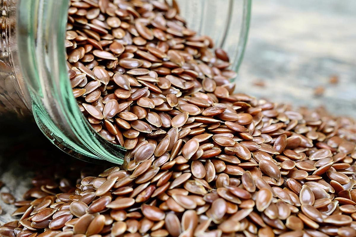 Pour réduire la tension artérielle, consommez des graines de lin.