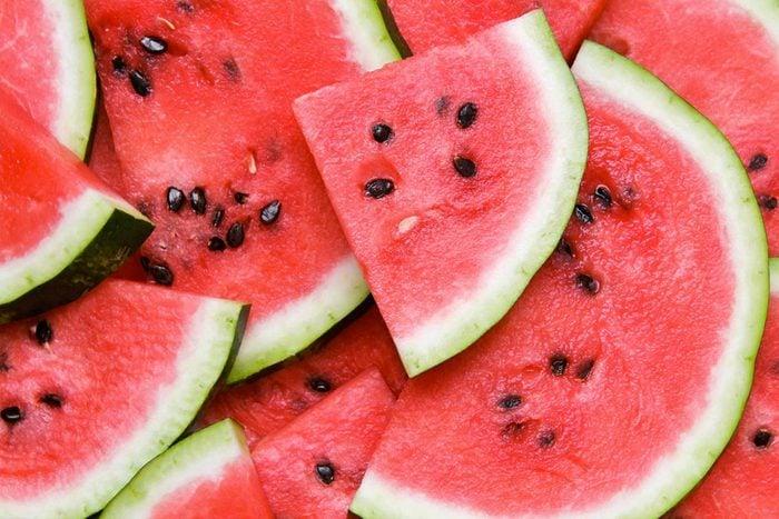 Pour réduire la tension artérielle, mangez du melon d'eau.