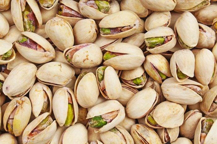 Pour réduire la tension artérielle, mangez des pistaches.