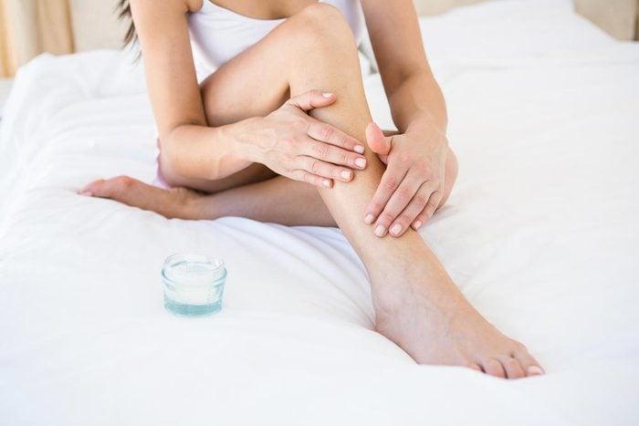 La vitamine E aide à cicatriser les blessures.