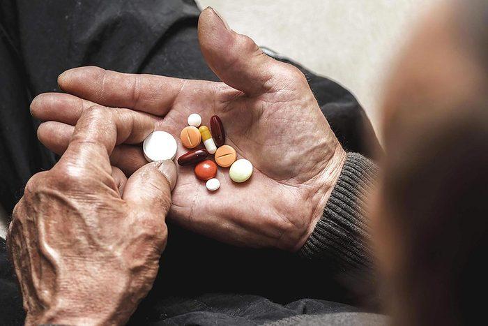 La vitamine E est essentielles pour les personnes âgées.