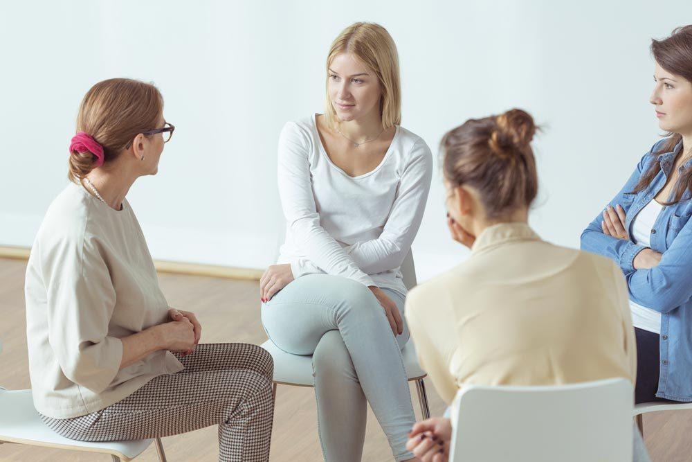 Une aide psychologique peut être apportée par un psychothérapeute.