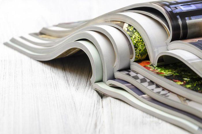 Aménagement paysager : trouvez des idées dans des livres et des revues.