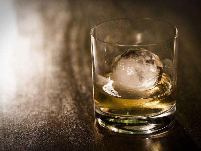L'abus d'alcool se trouve parmi les facteurs de risque du cancer du foie.