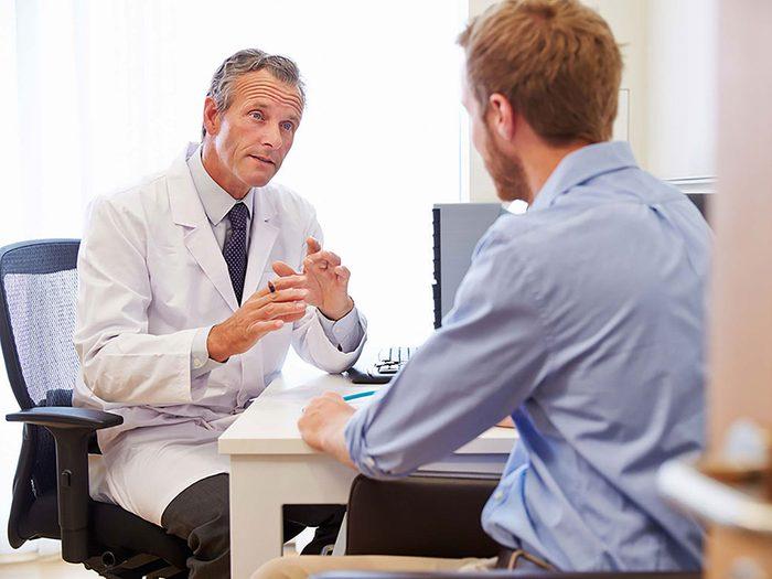 Des changements testiculaires peuvent aussi constituer un symptôme de cancer chez l'homme.