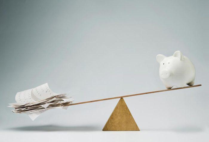 Une carte de crédit aide à améliorer le dossier de crédit.