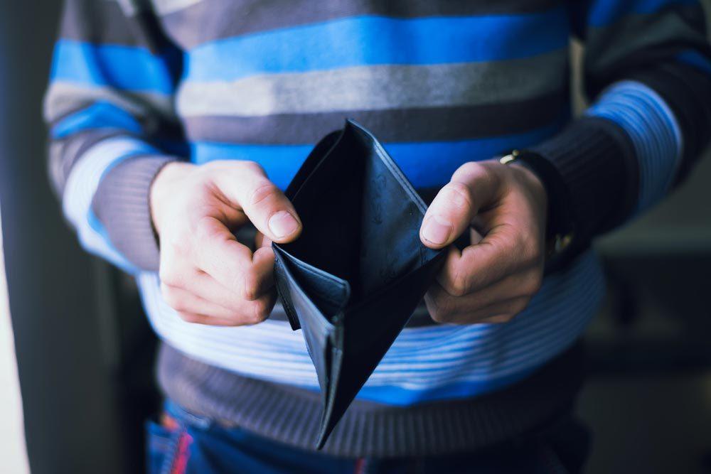 Réglez votre carte de crédit avec des paiements automatiques.