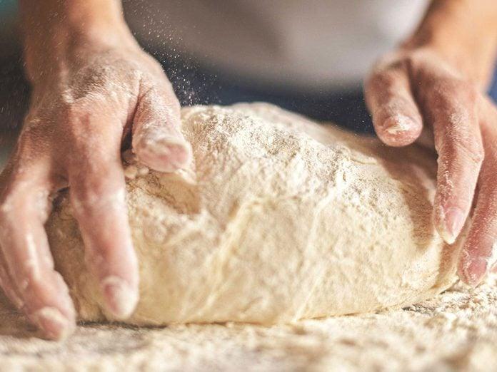 Le gluten est à éviter en cas de crise d'arthrite.