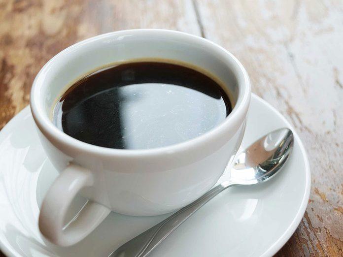 Le café est à éviter en cas de crise d'arthrite.