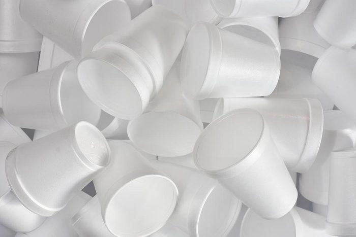 La durée de décomposition du polystyrène est d'un million d'année.