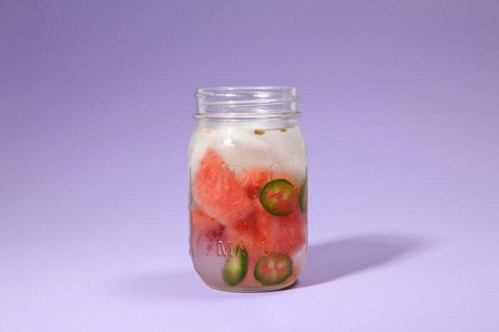 Eau aux fruits : jalapeños et pastèque.