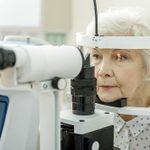 L'acuité visuelle à surveiller régulièrement avec l'âge