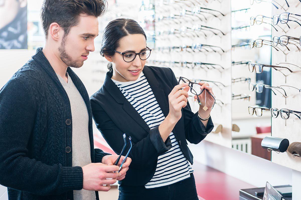 L'examen de la vue doit être fait par un optométriste.