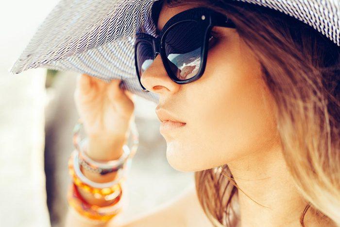 Examen de la vue : portez des lunettes de soleil en tout temps.