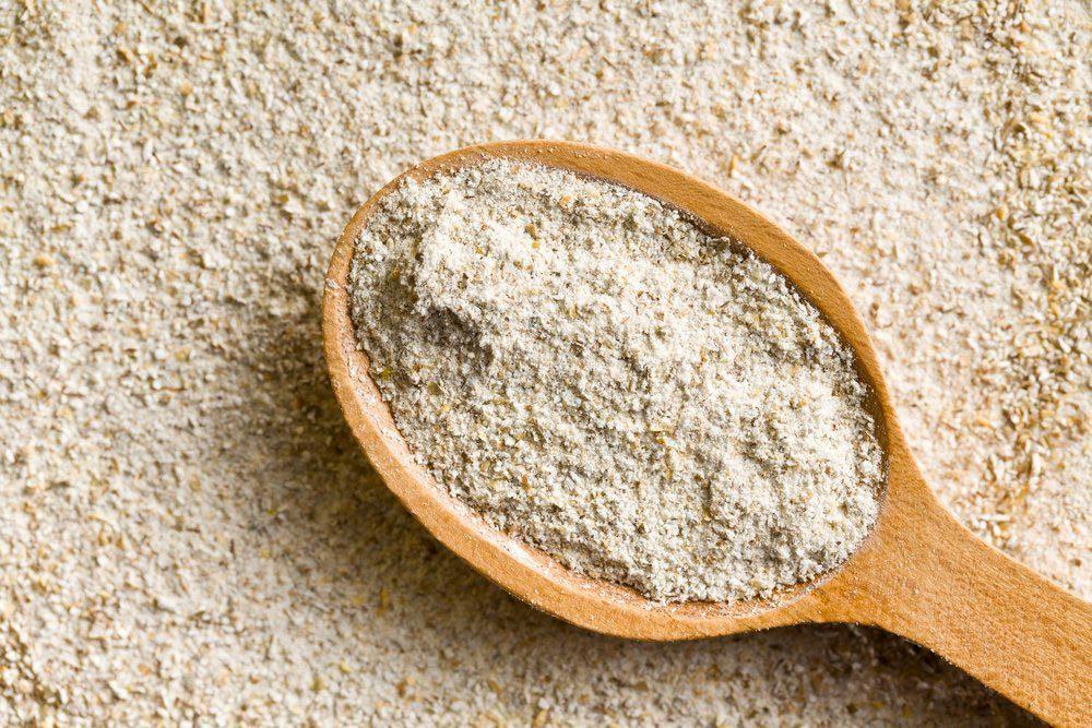 Garde manger : la farine de blé entier se conserve mieux au réfrigérateur.