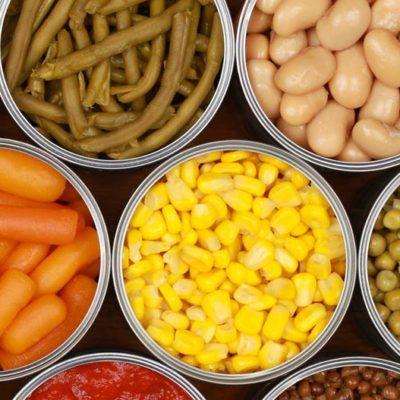 Garde manger : les légumes en conserve peuvent être consommés jusqu'à 5 ans après la date d'achat.