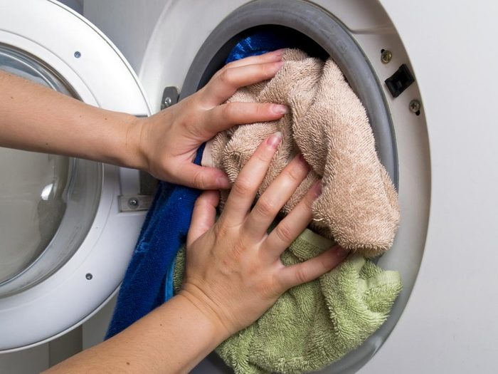Laveuse et sécheuse : ne les remplissez pas complètement.