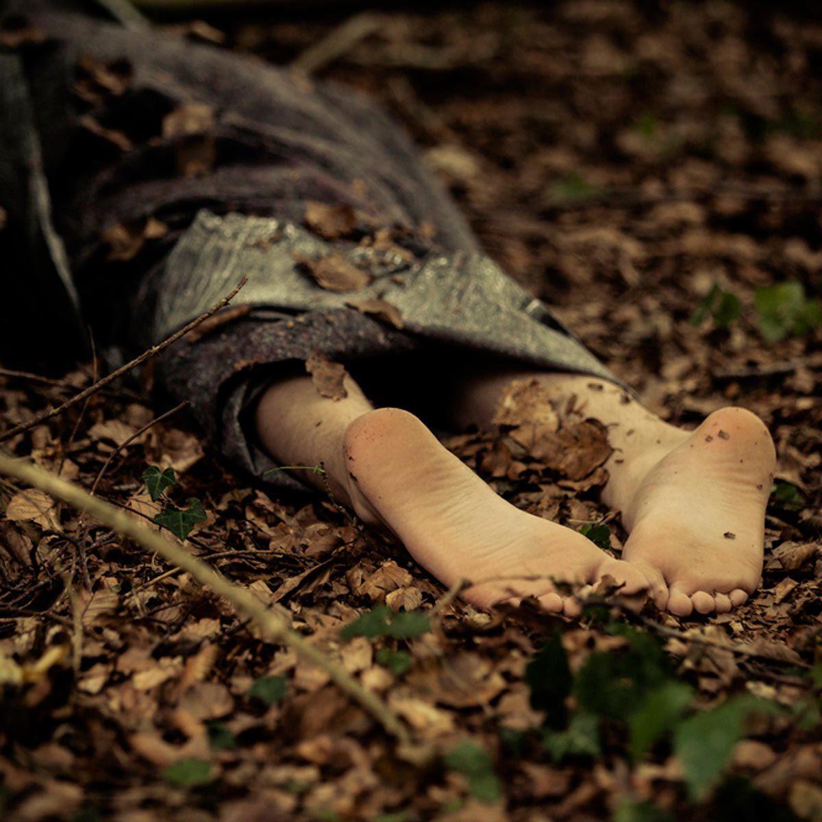Location Airbnb : des clients Airbnb trouvent un cadavre dans le jardin.