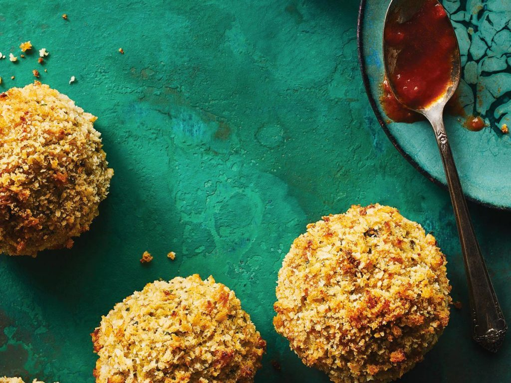 Menu végétarien : boulettes de pois chiches au fenouil.