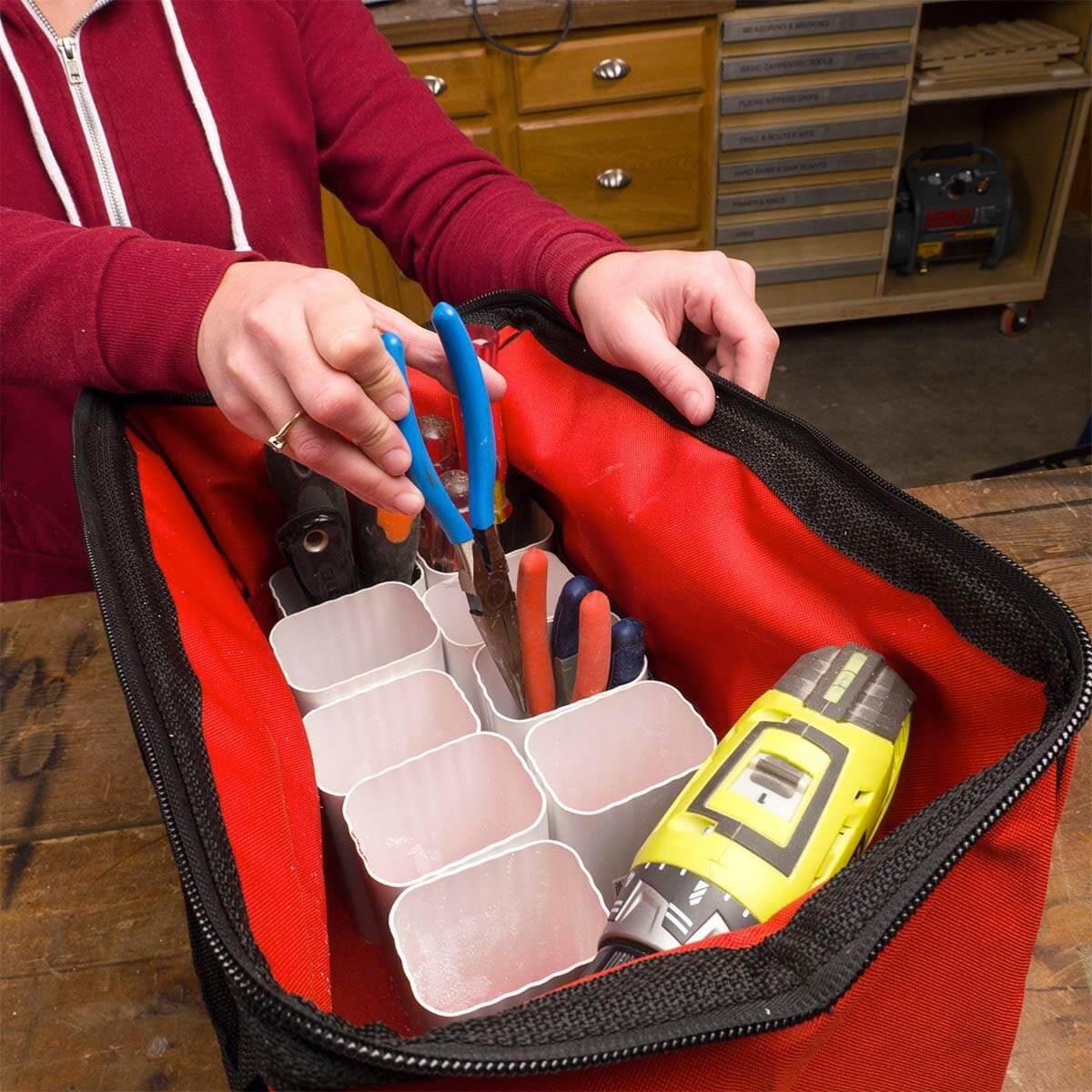 Organiser sa maison : bricolez des gouttières pour ranger vos outils.