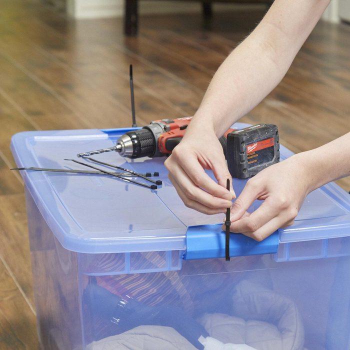 Organiser sa maison : des boîtes bien fermées pour déménager.