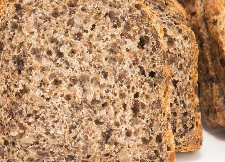 Source de protéines : le pain de grains germés.