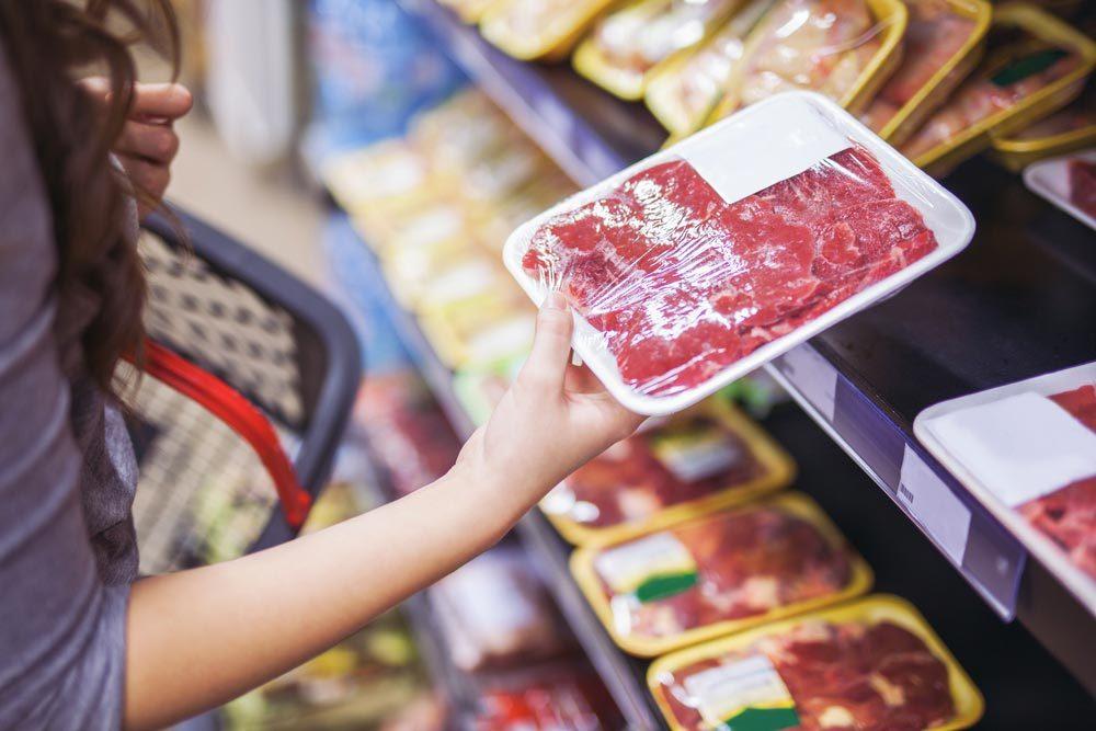 Qualité de viande : vérifiez le prix au kilo ou à la portion.