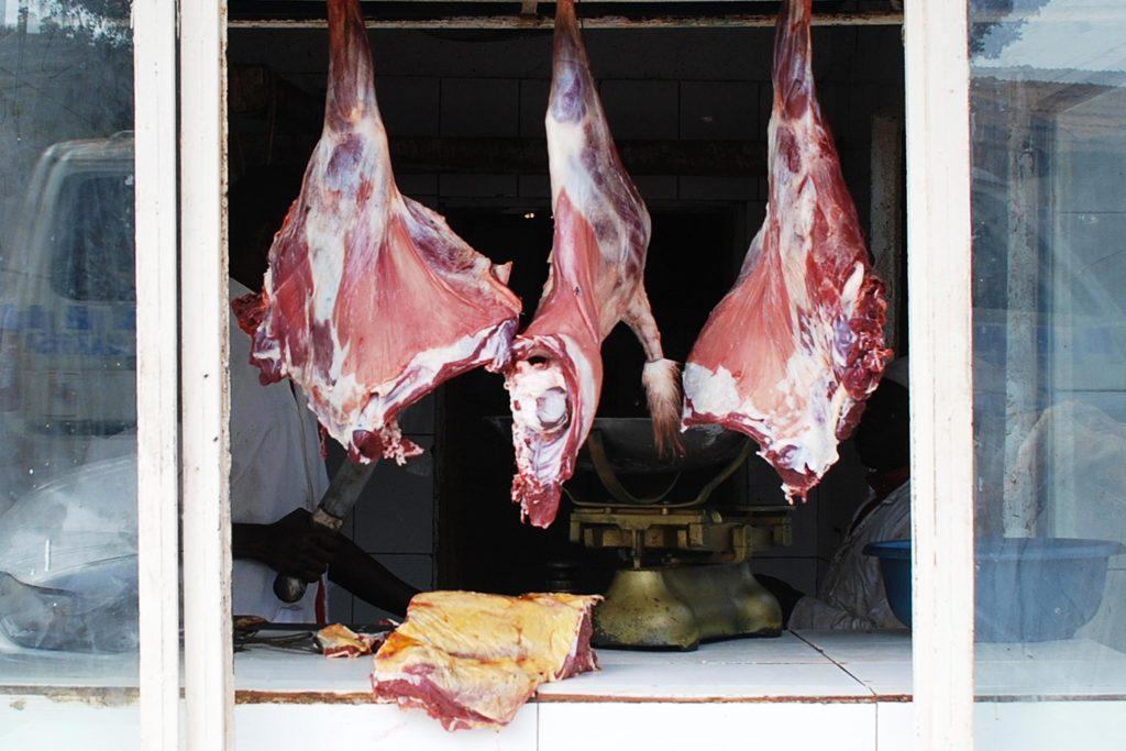 Qualité de viande : une grande partie du travail du boucher est de faire de jolies vitrines.