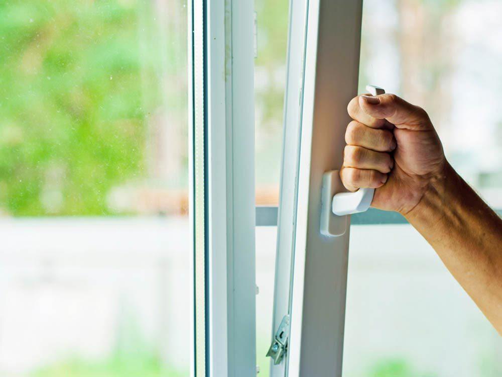 Rénover sa maison : les fenêtres ont une durée de vie de 15 à 30 ans.