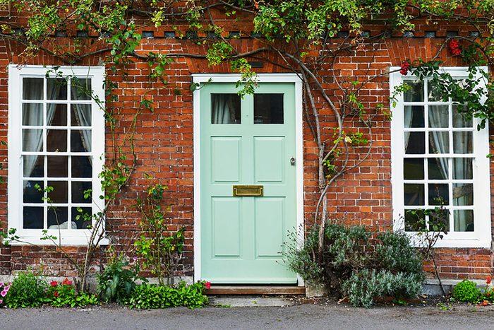 Rénover sa maison : les portes extérieures durent aussi longtemps que la maison.