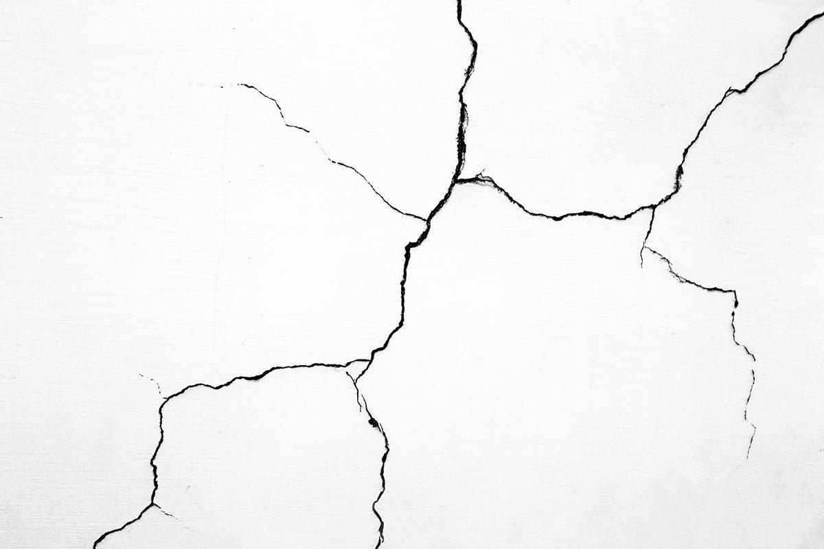 Rénover sa maison : les fondations peuvent avoir besoin d'être traitées contre les termites.
