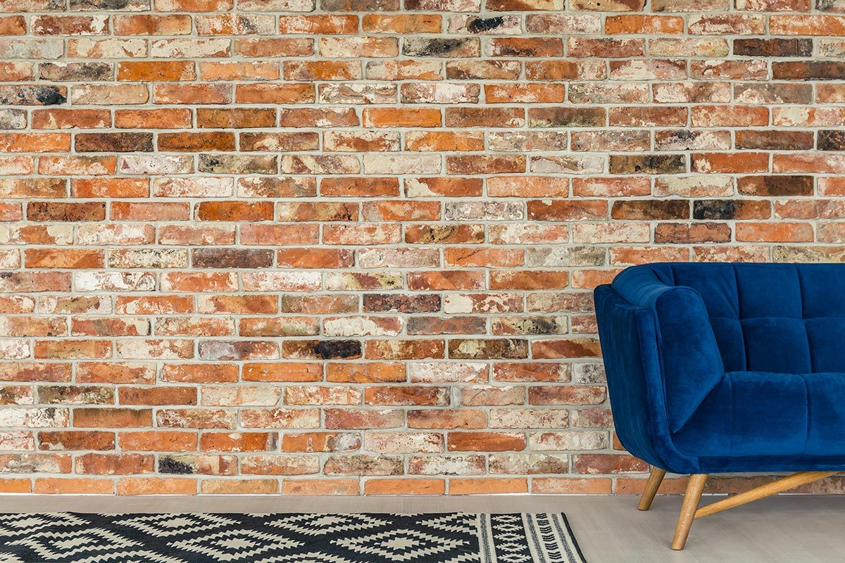 Rénover sa maison : les foyers et les murs de briques devraient facilement durer pendant un siècle.