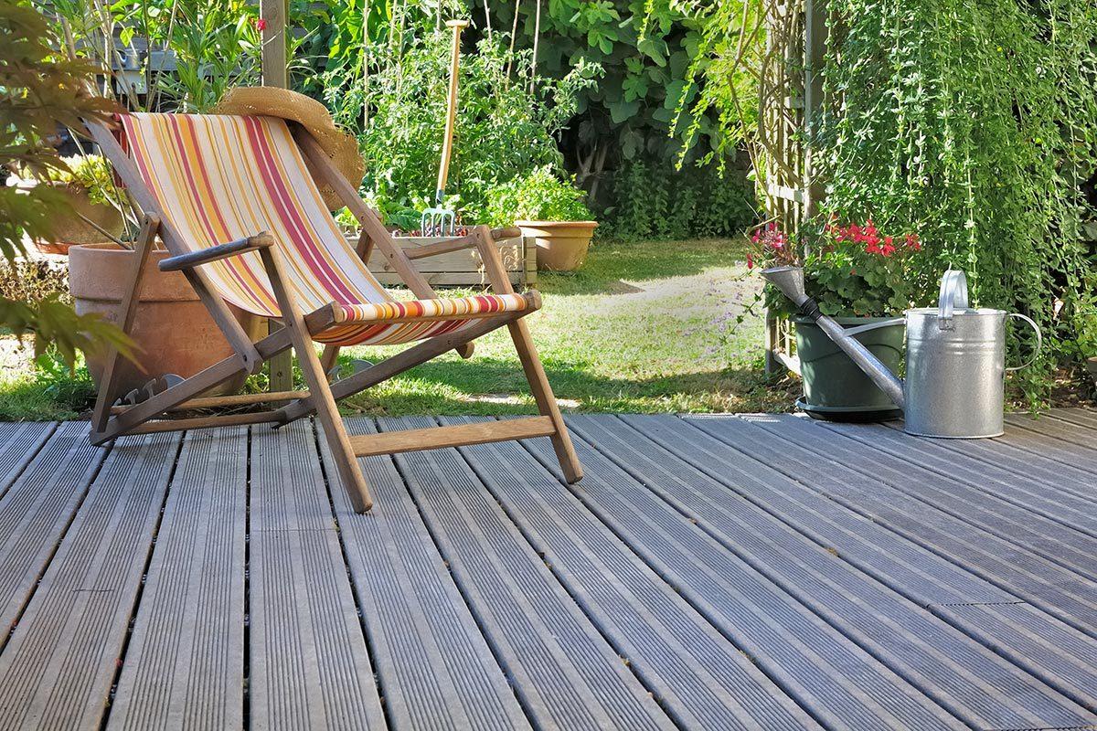 Rénover sa maison : une terrasse en bois a une durée de vie de 15 ans en moyenne.